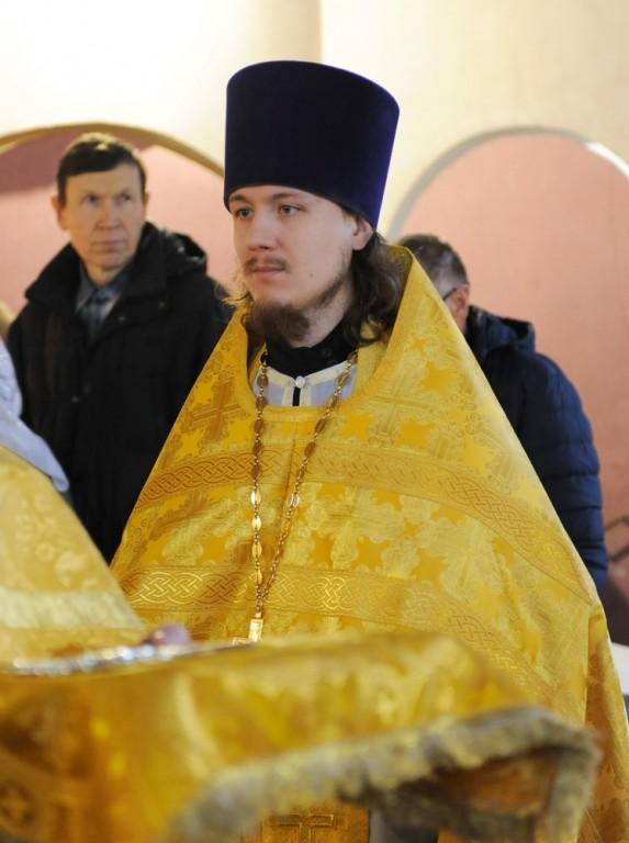 священники поэты вятской епархии надевается голое тело